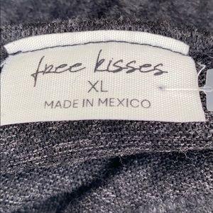 Free Kisses Tops - NWT Free Kisses long sleeve elastic waist top